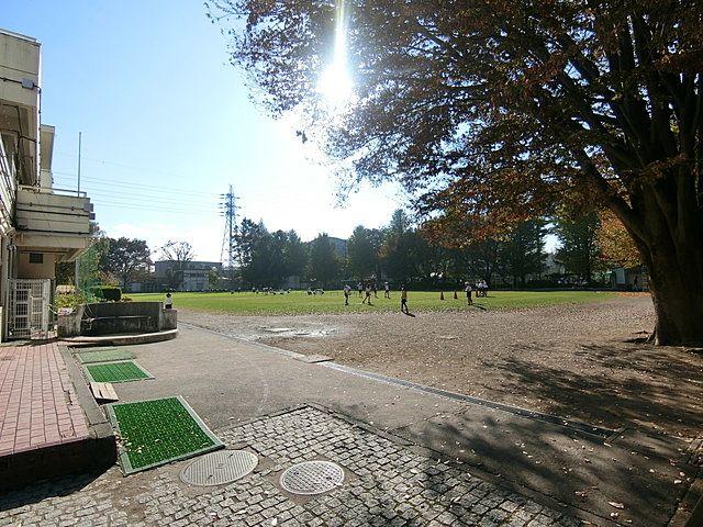 柳沢小学校の校庭