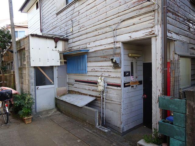 西東京市中町5丁目空き家の玄関