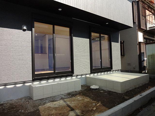 西東京市保谷町1丁目の新築住宅のテラス1