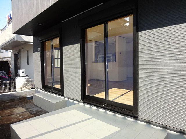 西東京市保谷町1丁目の新築住宅のテラス2