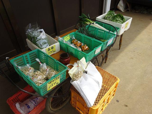 農家さんの直売所に並ぶ野菜