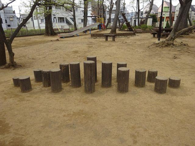 銀杏稲荷公園の遊具2