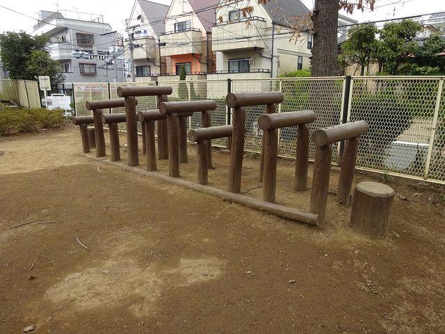 銀杏稲荷公園の遊具