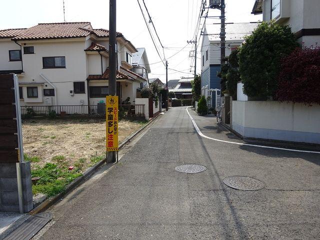 西東京市富士町5丁目の前面道路2(2019、4、7撮影)