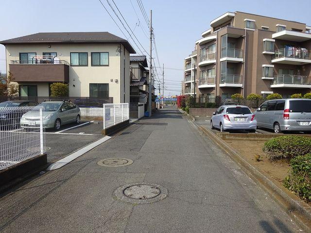 西東京市富士町3丁目の前面道路