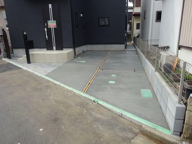 西東京市保谷町1丁目新築住宅の駐車スペース
