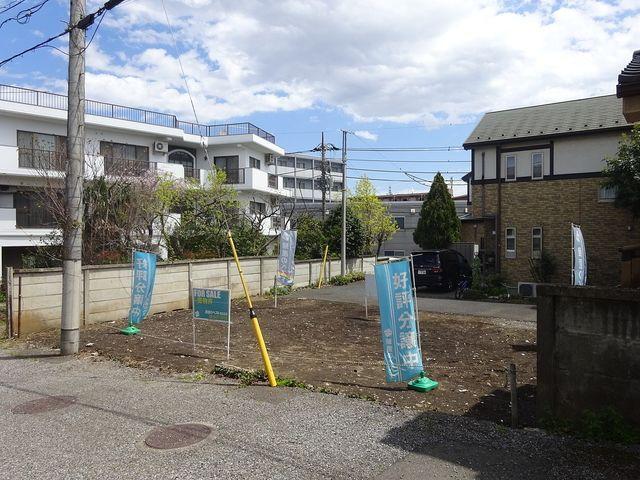 西東京市南町2丁目・土地の西側道路面