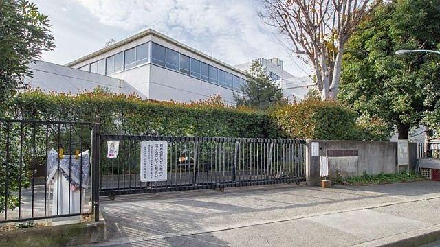 西東京市上向台小学校
