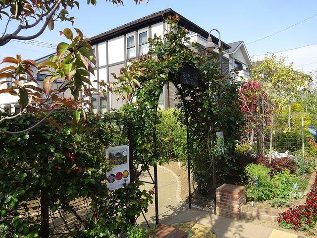 西東京市保谷町5丁目にある保谷町ローズガーデンの南側入口