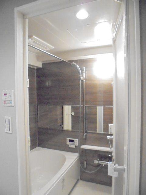 換気乾燥暖房機能付きの浴室