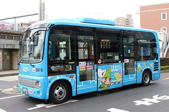 西東京市内を走るコミュニティーバスのはなバス