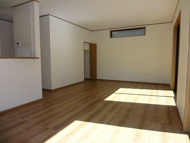 西東京市保谷町1丁目の新築住宅のリビング・ダイニング1