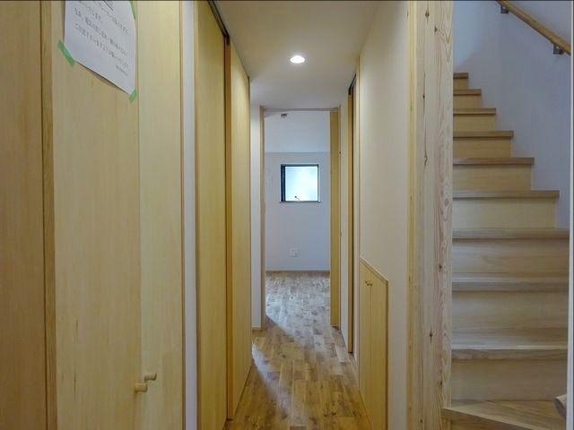 西東京市富士町1丁目の自然素材の家・廊下・階段