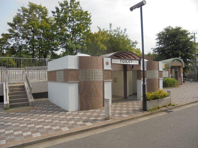 あらやしき公園のトイレ