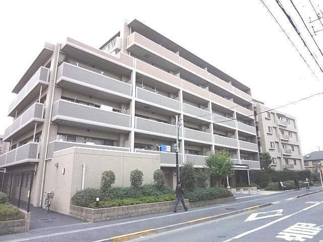西東京市内に建つ中古マンション