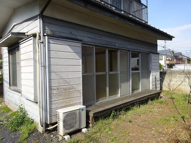 西東京市保谷町にある空き家の庭先