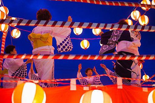 田無山總持寺境内で行われる田無名物盆踊り大会