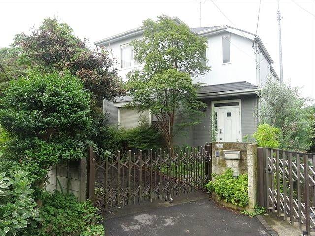 西東京市中町3丁目に所在する戸建住宅の外観