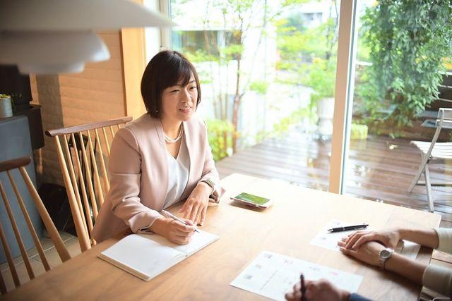 ファイナンシャルプランナー、通信費見直しコンサルタントの寺澤真奈美さん