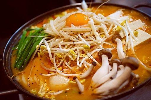 野菜たっぷりの韓国料理をつくろうのイメージ写真