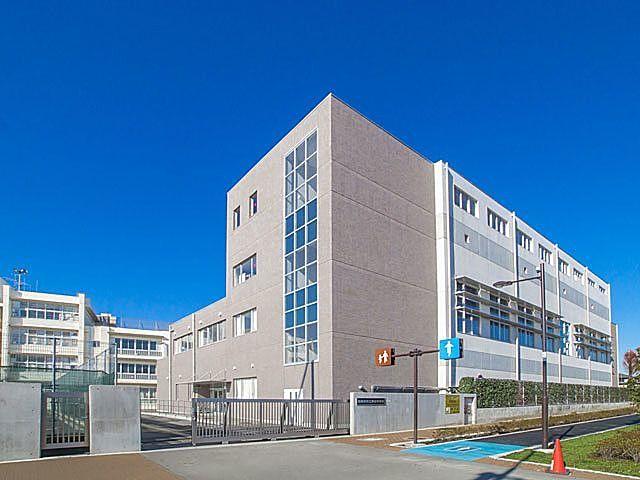 西東京市立保谷中学校の校舎