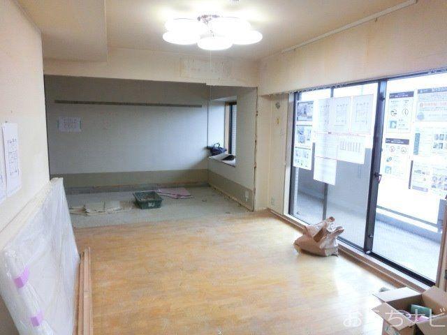 リビング・ダイニングと和室の解体の様子
