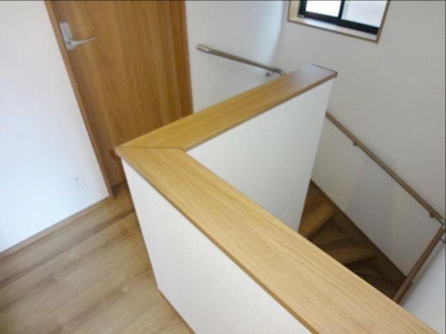 西東京市保谷町1丁目新築戸建の階段部分