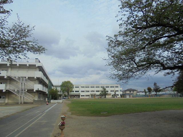 西東京市立保谷小学校の校庭