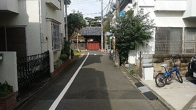 西東京市泉町2丁目の西側道路面 スプラッシュ