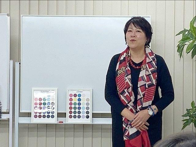 繁盛店ネットワークの仲間である高橋直子さんの講演の様子(2019、12、15)