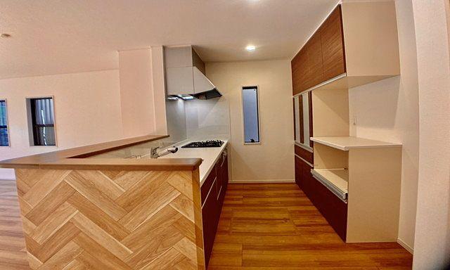 家事動線を考えたキッチン(西東京市富士町5丁目の新築戸建)2019・1・20 スプラッシュ