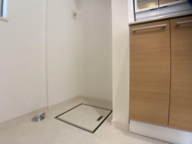 洗面化粧室内の洗濯機置場の様子(2020.21.31)スプラッシュ