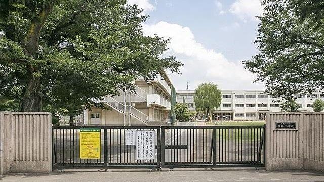 西東京市立保谷小学校の外観
