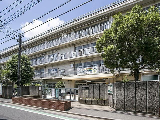 西東京市立保谷第二小学校の外観 スプラッシュ