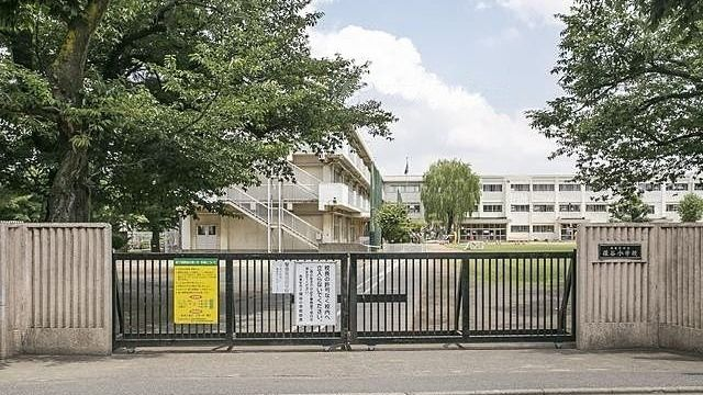 西東京市立保谷小学校のい外観 スプラッシュ
