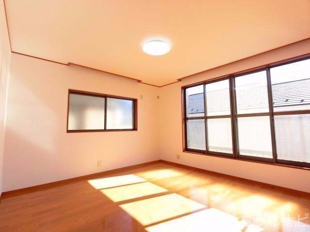 西東京市泉町3丁目・主寝室
