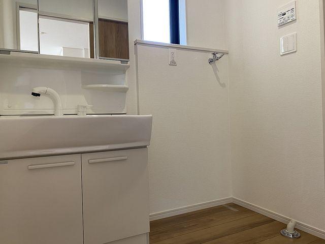 西東京市下保谷5丁目新築一戸建ての洗面化粧室(2020.5.17)スプラッシュ