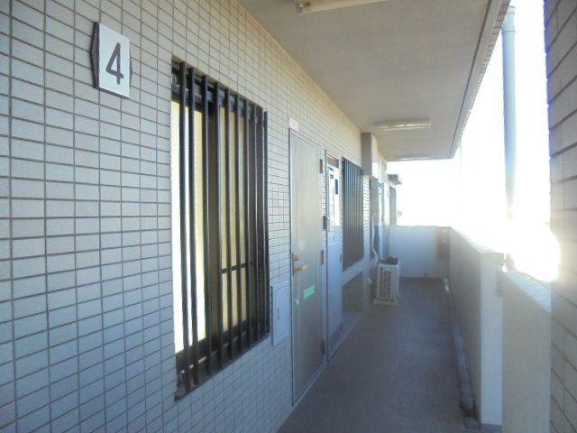 パルロイヤル東伏見・4階廊下