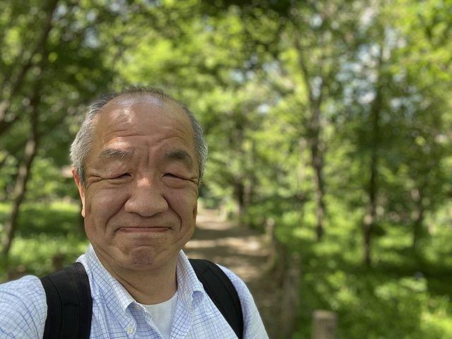 西原自然公園で自撮りするスプラッシュの鈴木義晴