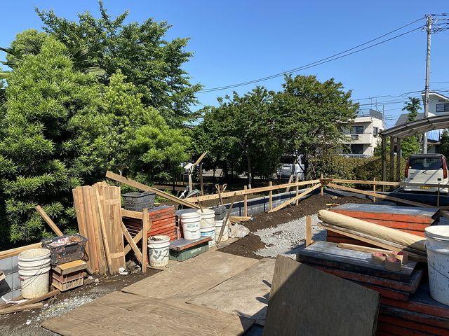 西東京市下保谷1丁目新築一戸建ての現場(2020.5.29)の西側