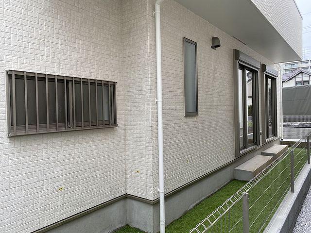西東京市中町4丁目B号棟の庭先2(2020.5.31)スプラッシュ
