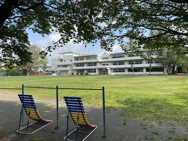 西東京市立柳沢小学校の校庭