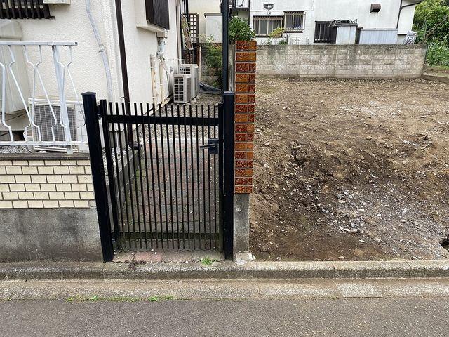 西東京市下保谷3丁目・土地~隣地との共有ブロック(2020.6.8)スプラッシュ