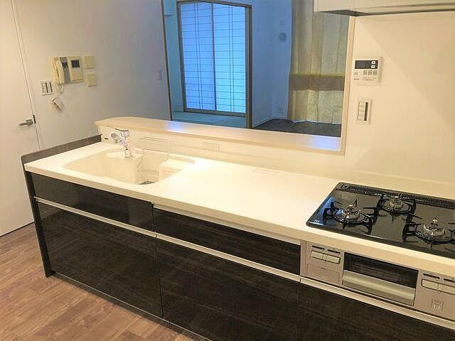 新規に入れ替えたキッチンの写真