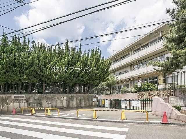 西東京市立谷戸第二小学校の外観 スプラッシュ