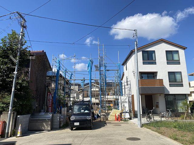 練馬区関町北4丁目の新築一戸建ての前面道路からの写真(2020.8.29)