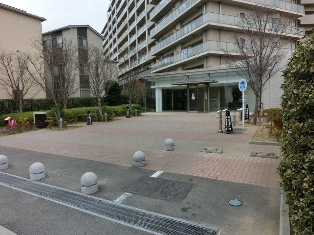 レーベンスクエアリハート東京のメインエントランス