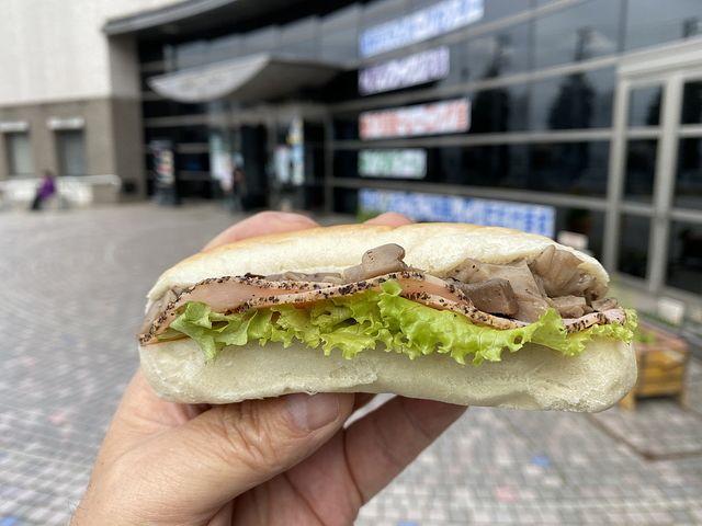 MIKAZUKI BAKERYは週2日だけしか開かないパン屋さんです(^o^)