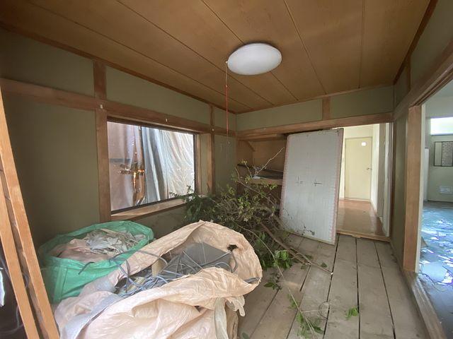 西東京市泉町2丁目の解体現場の室内様子(2021.4.2)スプラッシュ
