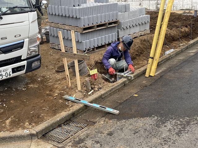 西東京市泉町2丁目新築一戸建ての外構工事の様子(2021.4.13)スプラッシュ